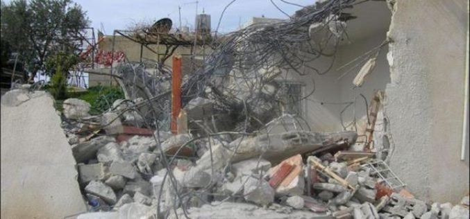ARIJ records house demolition in An Nu'man Village, East of Beit Sahour !!