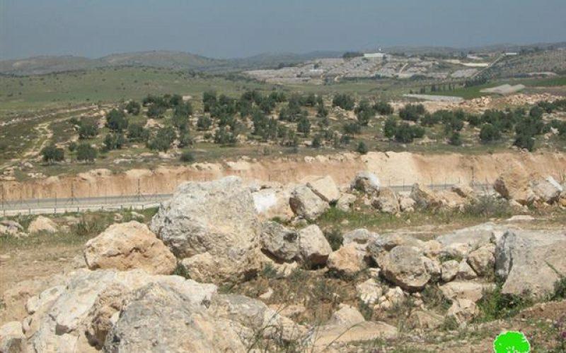 شق شارع استعماري اسرائيلي بمحاذاة قرى غرب دورا يسبب تصدعات في مساكن  قرية سكة