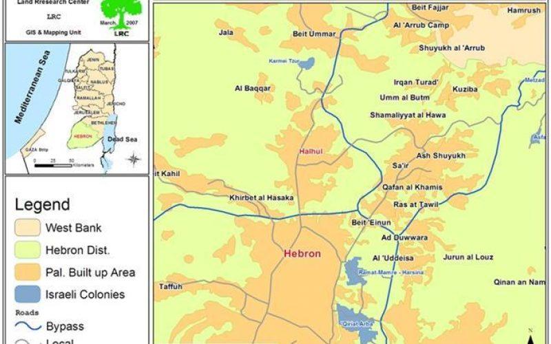 سلطات الاحتلال تمنع مزارعين فلسطينيين من استصلاح  أراضيهم وتحاربهم في لقمة عيشهم
