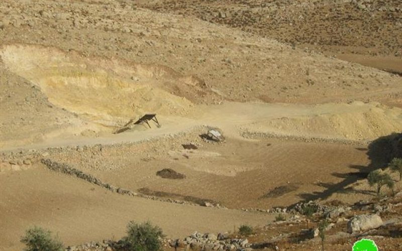 Israeli Occupation Authorities Confiscate a Bulldozer and Issue House Demolition Orders in Khirbet Umm Lasafa in Yatta