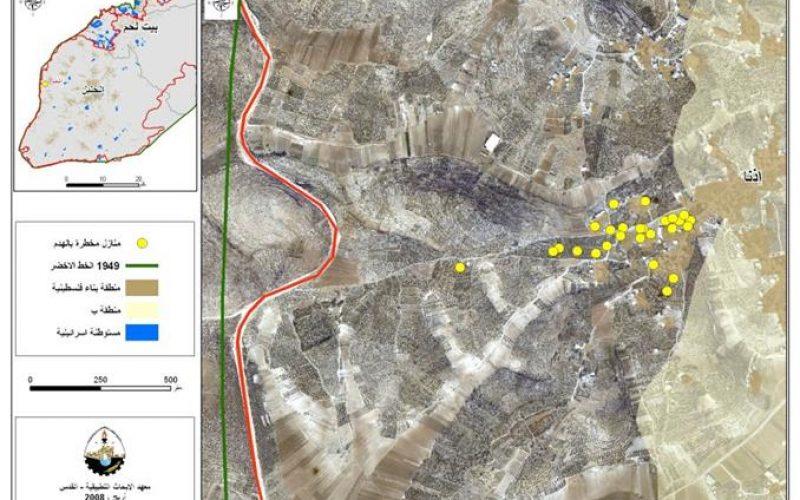 سلطات الاحتلال الإسرائيلي تخطر ثلاثة منازل فلسطينية بالهدم و تسلم 24 أمر بوقف البناء لمنازل اخرى في بلدة إذنا
