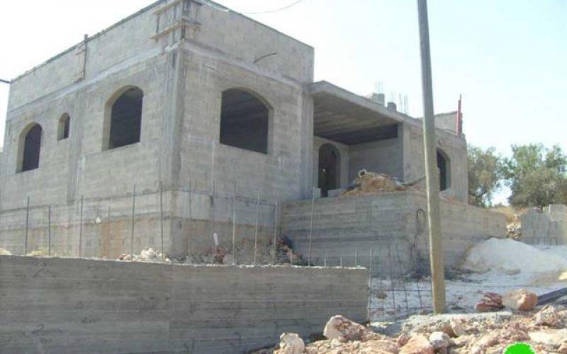 إخطار عدداً  من المنشآت السكنية الفلسطينية بوقف البناء في قرية كفر قليل