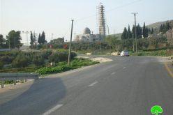 إخطار مسجداً ومنشآت تجارية بوقف العمل تمهيداً للهدم في قرية بورين
