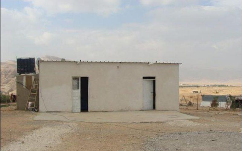 مع بداية العام الجديد, سلطات الاحتلال الاسرائيلي تخطر تجمع عرب أبو زايد البدوي بأوامر وقف عمل