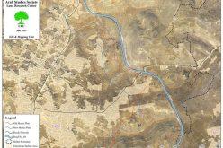 إخطارات بوقف العمل والبناء لعدد من المساكن الفلسطينية في بلدة حلحول