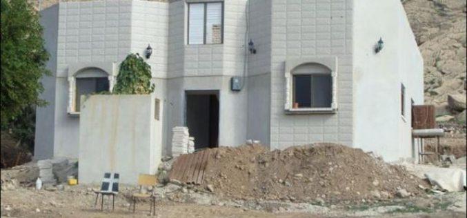 التجمعات الفلسطينية في الاغوار محط  أطماع الاسرائيليين <br> &#8220;أوامر عسكرية اسرائيلية جديدة بوقف العمل و البناء في عدد من المنشأت في قرية الجفتلك الفلسطينية&#8221;