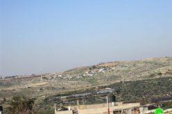 إخطار عائلتين بوقف البناء لمنشآتهم الزراعية في عرب الرماضين الجنوبي- محافظة قلقيلية