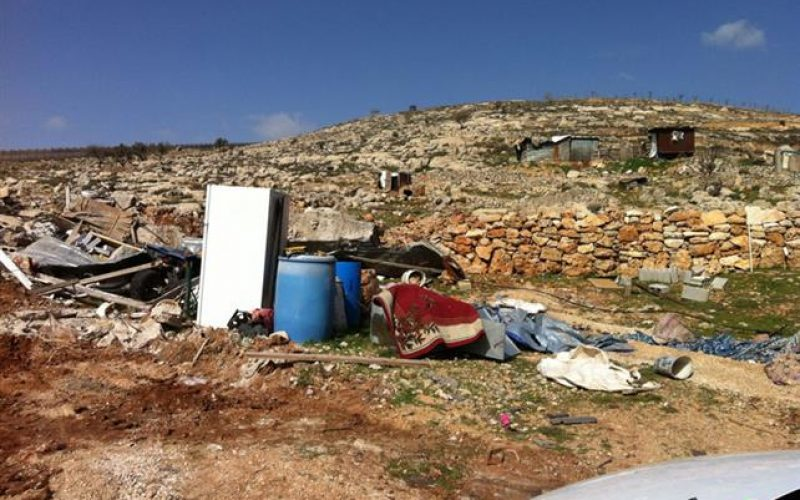 The Israeli Municipality in Jerusalem Demolishes a Residence and a Shack in Beit Hanina