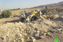 الاحتلال الإسرائيلي يهدم عدداً من المنشآت الزراعية و السكنية في خربة طانا