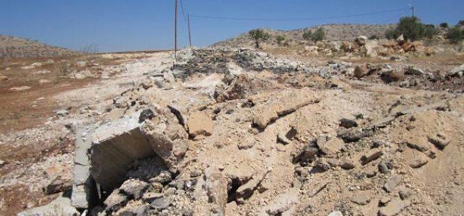 هدم بئراً للمياه في حي البويرة شرق الخليل