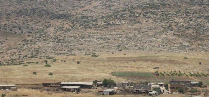 إغلاق الطريق الرابط ما بين خربة يرزا و مدينة طوباس