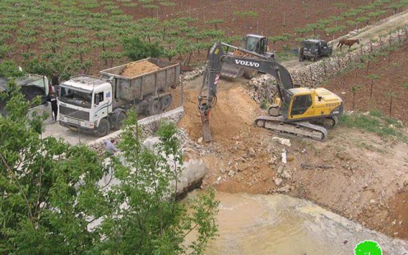 هدم بركة مياه في حي  البقعة شرق الخليل