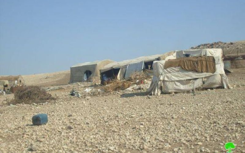 Confiscating Tents and Shacks in Kherbit Humsa