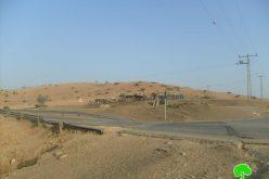 إخطارات  بوقف البناء لعددٍ من البيوت و البركسات الزراعية في خربة  الحديدية