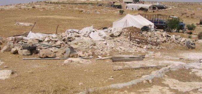 Demolishing a residential tent in Wadi Jhesh