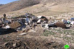 الاحتلال يهدم مساكن وحظائر مواشي في خربة الرهوة جنوب بلدة  الظاهرية
