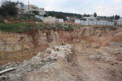"""""""بتكلفة قدرها 1.1 مليار دولار"""" <br> اسرائيل تستولي على 234 دونما من اراضي بلدتي بيت صفافا وشرفات لشق الطريق الاستيطاني الاسرائيلي رقم 50"""