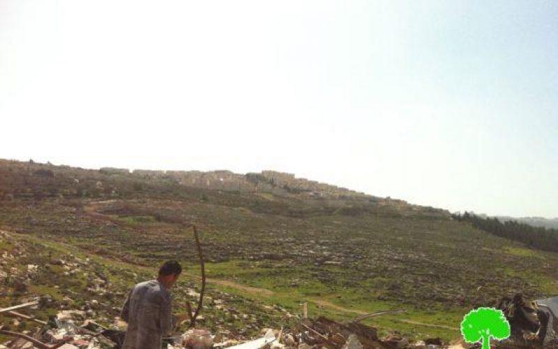 هدم مسكناً متنقلاً في حي الاشقرية – بيت حنينا