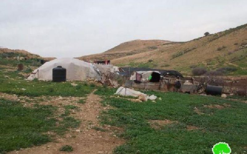الاحتلال الإسرائيلي يخطر بوقف البناء لمنشآت سكنية وزراعية في الأغوار الشمالية