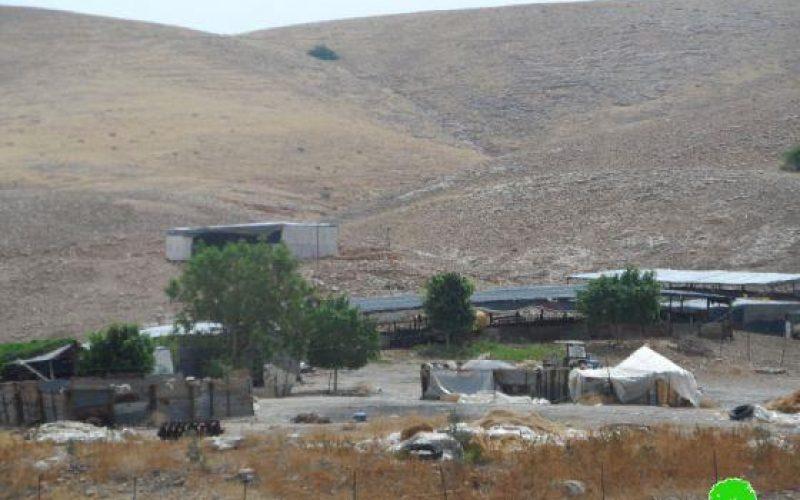 إخطار 5 عائلات بدوية بوقف البناء لمنشآتهم السكنية والزراعية / محافظة طوباس