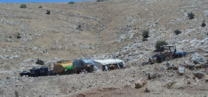 الاحتلال الاسرائيلي يخطر 13 عائلة بدوية في خربة الفارسيه بوقف البناء لمنشاتهم السكنية و الزراعيه