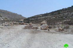 الاحتلال يغلق طريق زراعي شرق بلدة اذنا