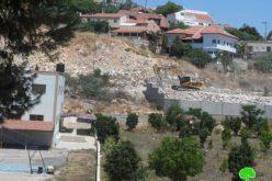الاحتلال يدمر جزء من مدرسة عزون عتمة الأساسية لاستكمال بناء الجدار العنصري