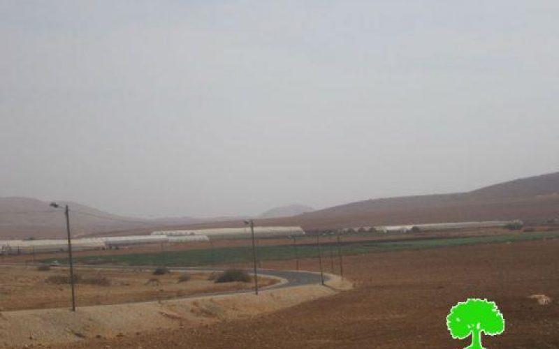 الاحتلال الإسرائيلي  يشرد عائلتين من منطقة الرأس الأحمر / محافظة طوباس