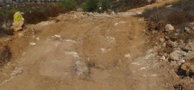 منع أهالي قرية قريوت من شق طريقين زراعيين في أراض القرية / محافظة نابلس