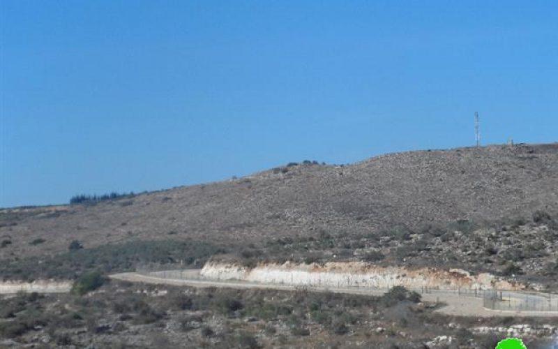 إخطار بمصادرة 78.3 دونماً لصالح الجدار العنصري في قرية كفر جمال / محافظة طولكرم