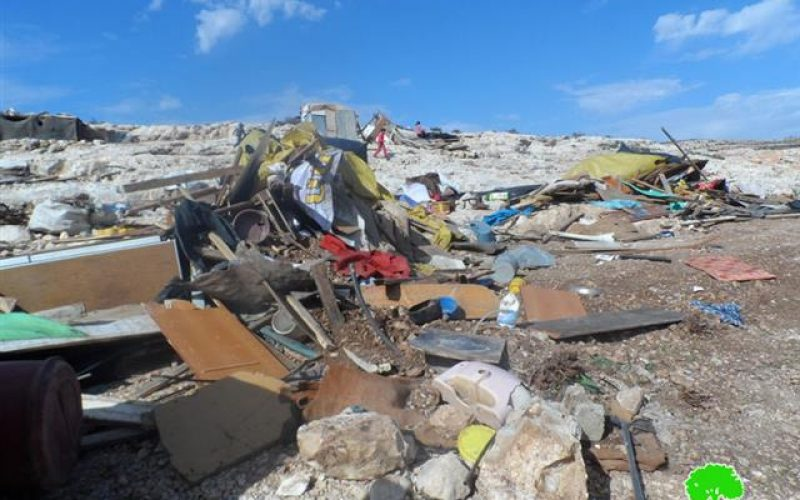 Demolitions on tents and barns in Ein Ayyoub