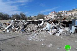 الاحتلال يهدم بركساً في بلدة دير سامت غرب الخليل