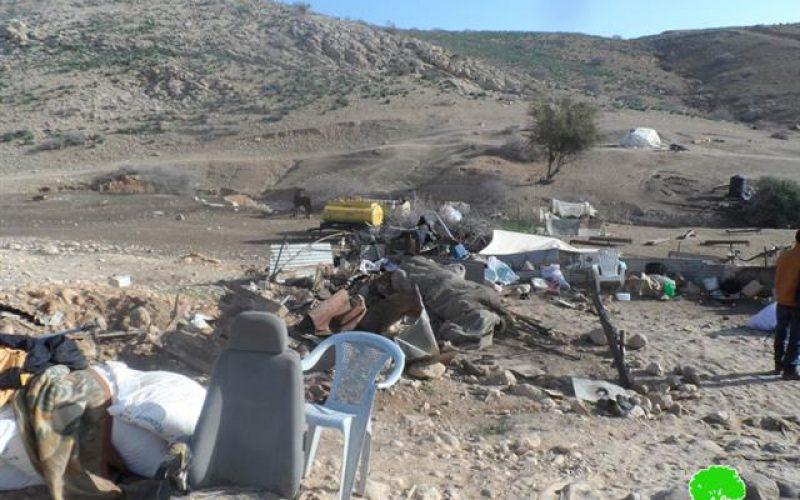 """الاحتلال الإسرائيلي  يهدم التجمع البدوي  """"أم الجمال""""  بالكامل في منطقة الأغوار الشمالية"""