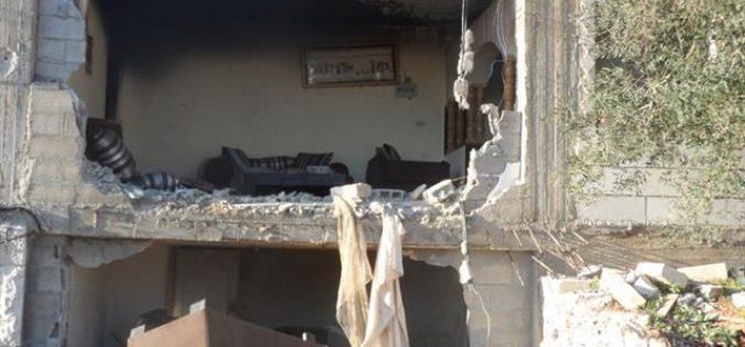 الاحتلال الإسرائيلي يدمر منزلاً في بيرزيت ويغتال ناشطاً بالصواريخ والقذائف