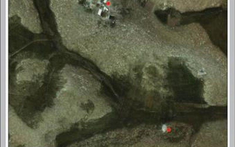 إخطار بوقف العمل في خيمة للسكن وحظيرة مواشي بخربة الفخيت  في بلدة يطا في محافظة الخليل