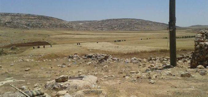 الاحتلال  يحول الأراضي الزراعية إلى منطقة تدريب عسكرية في خربة الطويل / محافظة نابلس
