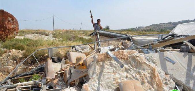 الاحتلال الإسرائيلي يهدم مزرعة في قرية رأس عطية / محافظة قلقيلية