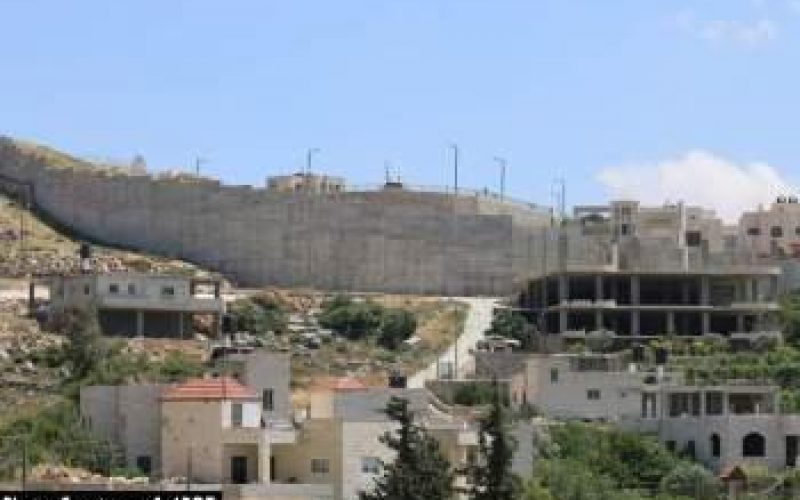 Israel resumes wall construction in Al Walajeh village