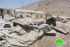 """الاحتلال يهدم مخزناً للأعلاف في منطقة """" الرهوة """" جنوب الظاهرية / الخليل"""