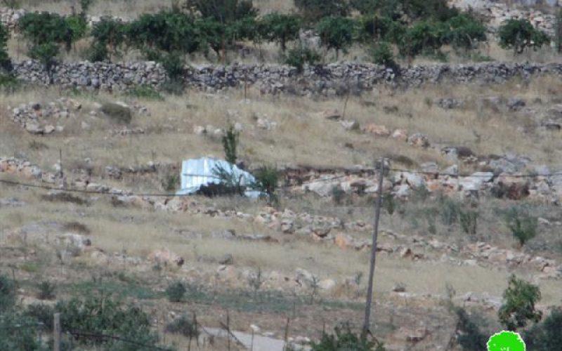 الاحتلال يهدم غرفة زراعية في مخيم الفوار / محافظة الخليل
