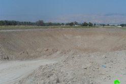 """الاحتلال الإسرائيلي يخطر """" بركة لتجميع المياه"""" بوقف العمل في الجفتلك"""