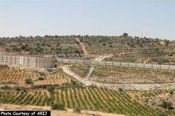 """اسرائيل تنفذ سياسة العقاب الجماعي بحق الفلسطينيين في الضفة الغربية المحتلة <br> """"هدم منازل فلسطينية في بلدة الخضر غرب مدينة بيت لحم"""""""