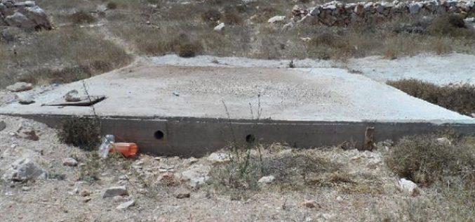 إخطارات بوقف العمل في آبار مياه وطريق زراعي بقرية كرمة جنوب الخليل
