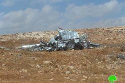 هدم حظيرتين للأغنام وإخطار آخر بوقف البناء في  قرية دير دبوان / محافظة رام الله