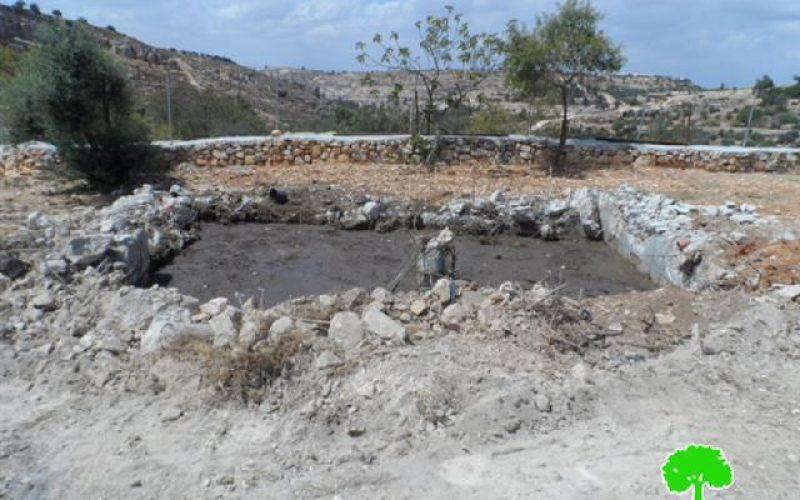 """الاحتلال يهدم بئر مياه في """" عين عركة """" شمال مدينة الخليل"""
