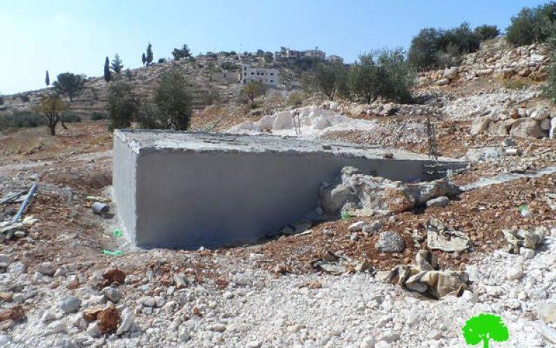 إخطار بوقف العمل في 4 آبار ضمن مشروع للاستصلاح ينفذه مركز أبحاث الاراضي في قرية كرمة جنوب الخليل