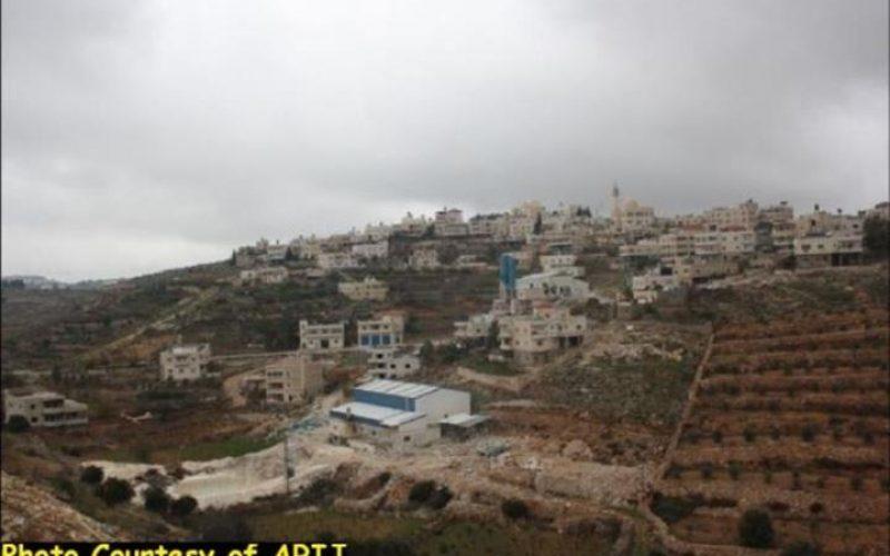 الادارة المدنية الاسرائيلية تخطر بهدم 9 منازل فلسطينية في قرية وادي النيص في محافظة بيت لحم