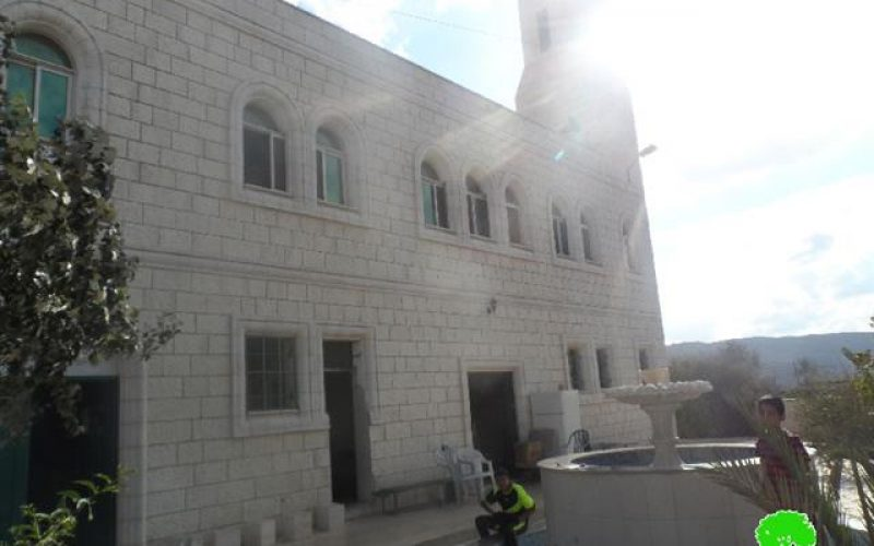Setting a mosque ablaze by Price tag Israeli colonists in Aqraba town