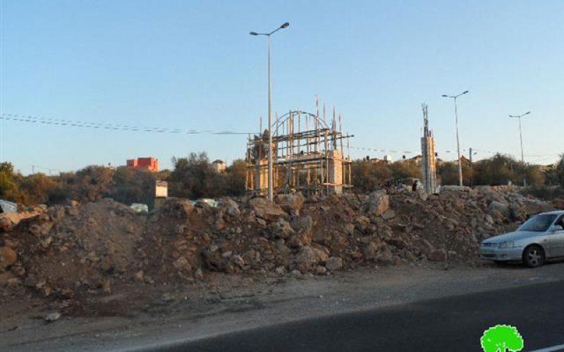 Israeli military blocks the entrance of Deir Istiya village