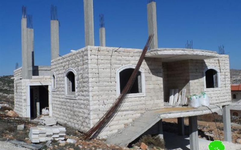 The Israeli occupation targets the area of Shuyukh al-Aruob with stop work and demolition orders